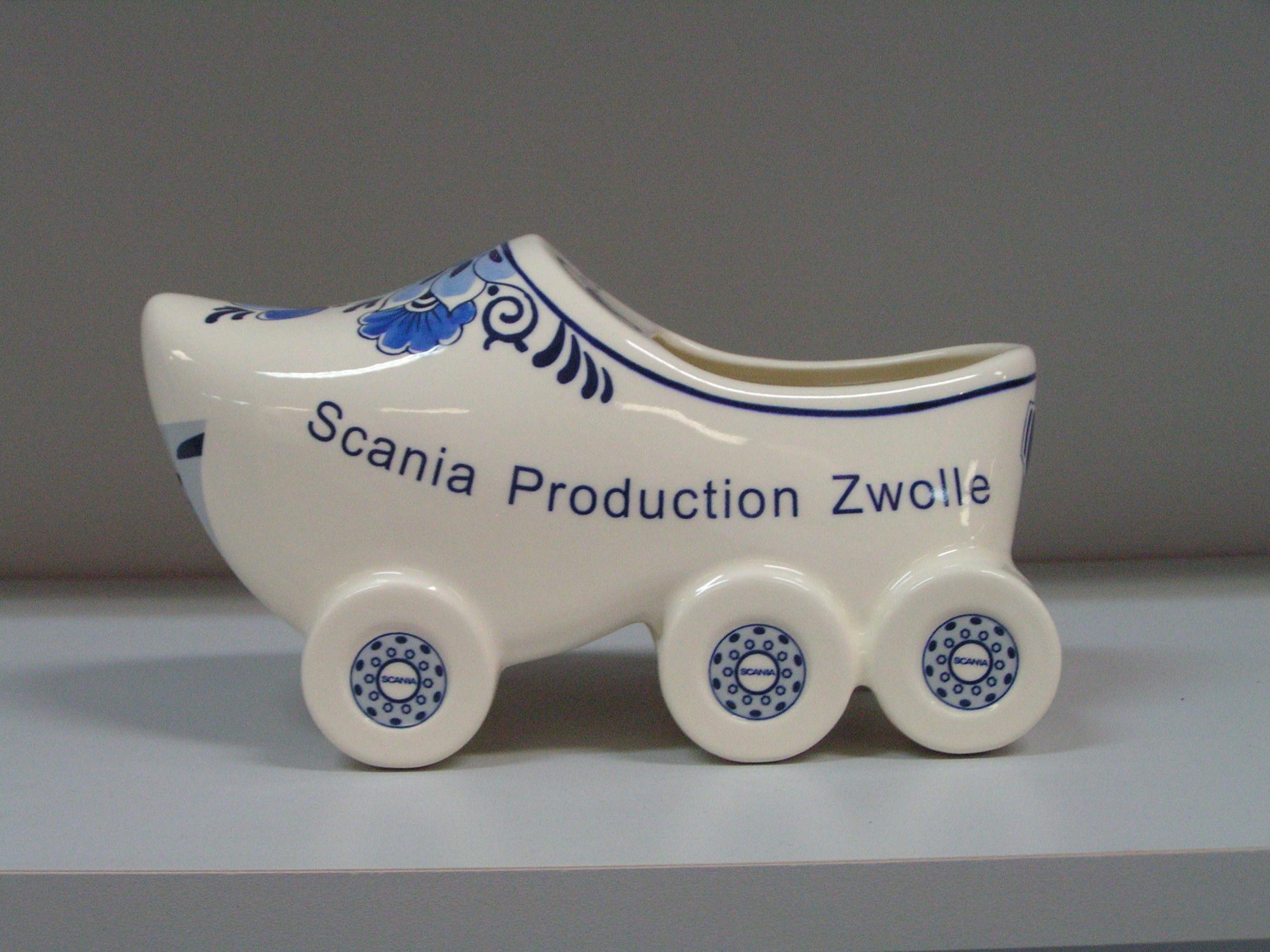 Relatiegeschenk buitenlandse bezoekers Scania klomp