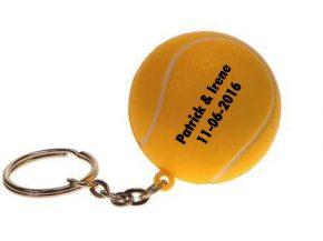 Tennisballetje als attentie gasten van een bruiloft