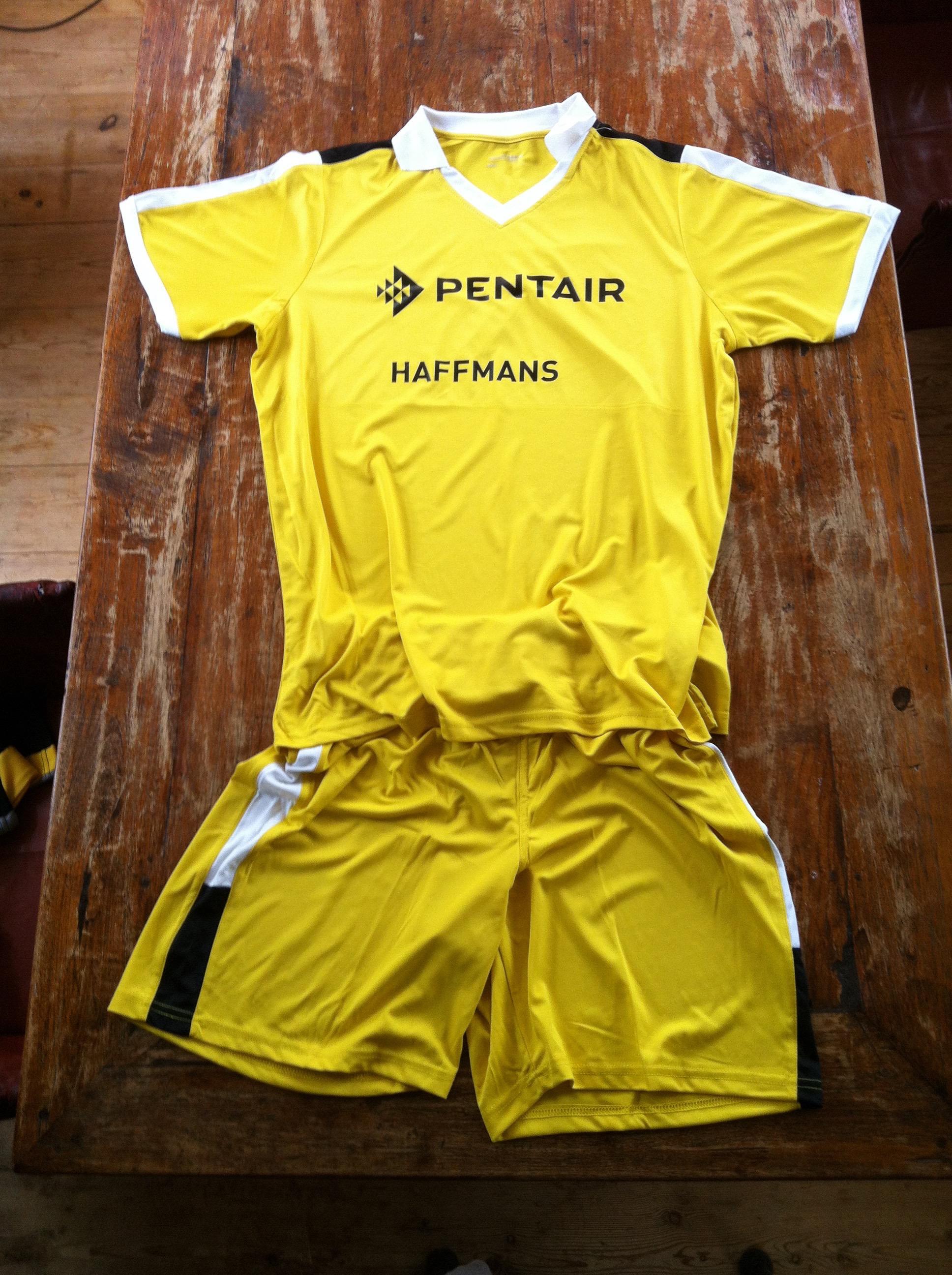 voetbal kleding met logo